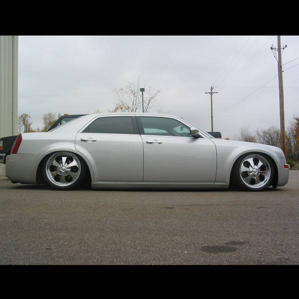 Airlift Chrysler 300/300C 05-17 Performance Air Ride