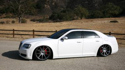 AIRLIFT PERFORMANCE  - Airlift Chrysler 300/300C 05-17 Performance Air Ride System: 75527 /75627 Manual/V2/3P/3H