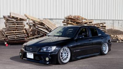 JDM - LEXUS  - IS 300 1998-2005