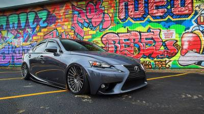 JDM - LEXUS  - IS 300 AWD 2016-2018
